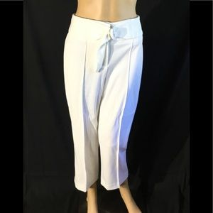 Romeo+Juliet Couture White Ankle Pants. Brand New